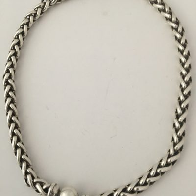 N.E. From Chain Necklace