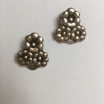 Triple flower clip-on earrings