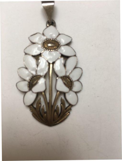 Danish Dragsted White enamel flower pendant EKH361
