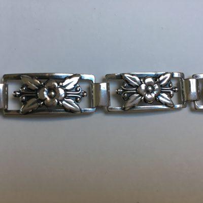 S.A.V. Danish linked floral bracelet