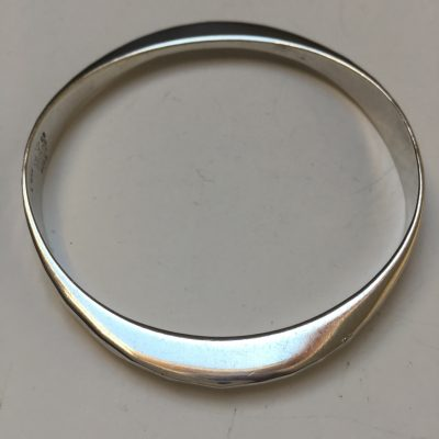 Norwegian Tone Vigeland Hand Hammed Bangle