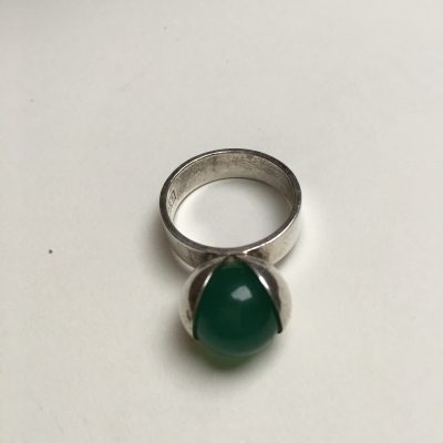 Finnish Oyster Ring set with Green Chyrsoprase