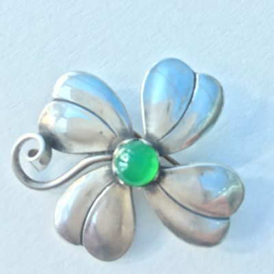 Danish Clover brooch with Central Chrysoprase