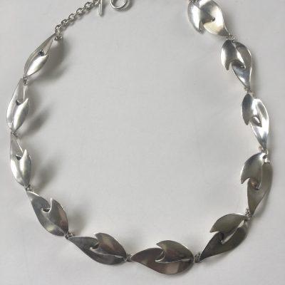 C.O.F. Leaf linked Necklace